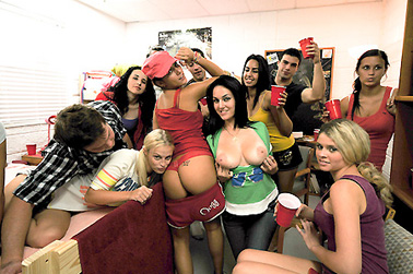 Sorority Girls Get Down  collegerules, college rules