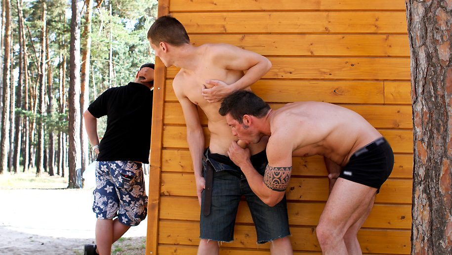 Hot Studs Fuck Outdoors outinpublic out in public places gay sex videos