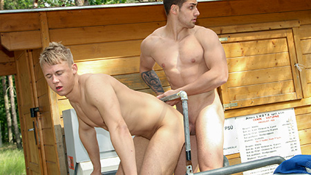 Anal Sex At The Public Park! outinpublic out in public places gay sex videos