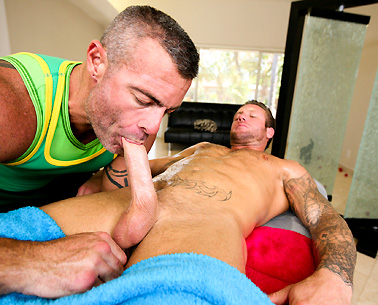 Mr Slick rub him